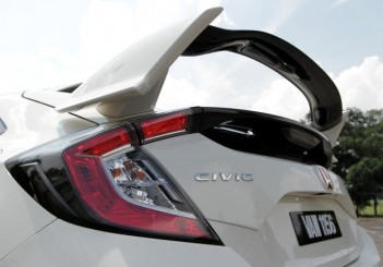 2018 Honda Civic Type R (17)