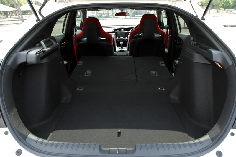 2018 Honda Civic Type R (22)