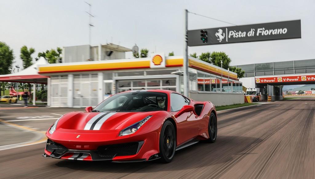 Ferrari 488 Pista (2)