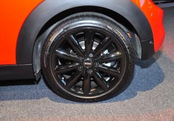 MINI Cooper S (3 Door) - 09
