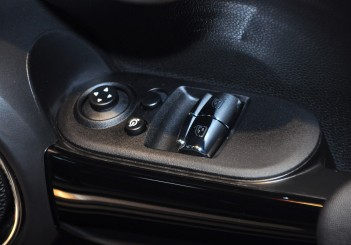 MINI Cooper S (3 Door) - 35