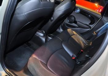 MINI Cooper S (5 Door) - 08