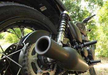 Triumph Bonneville T100 - 09