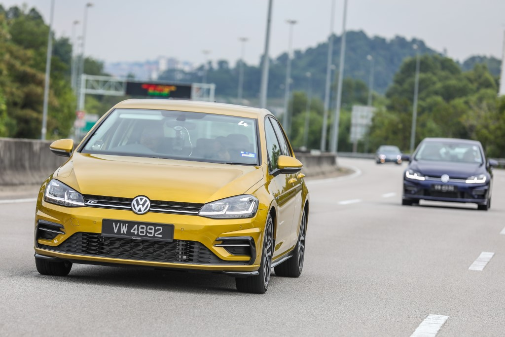 Volkswagen Golf 2018 Media Photos-13 (Custom)