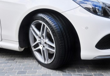 Michelin Primacy 4 - 04 Mercedes-Benz E 200 convertible