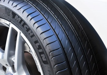 Michelin Primacy 4 - 05 Mercedes-Benz E 200 convertible