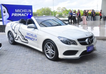 Michelin Primacy 4 - 08 Mercedes-Benz E 200 convertible