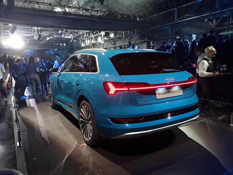 Audi e-tron 2018 (12)