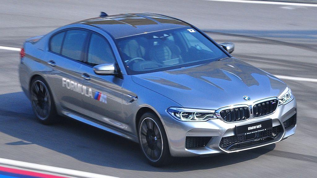 BMW M5 (F90) - 004