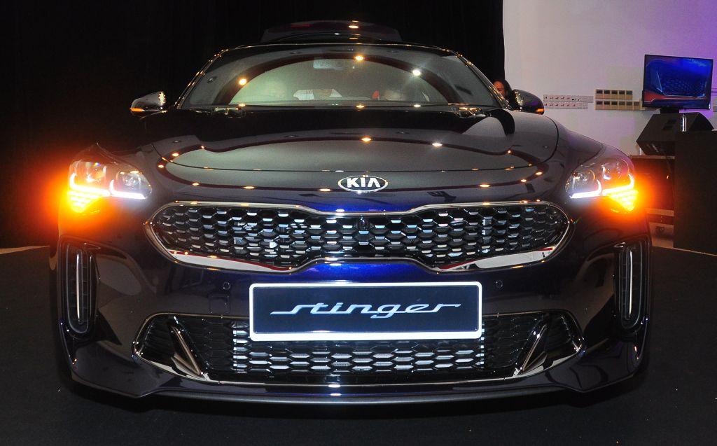 Kia Stinger 2.0 GT-Line - 01