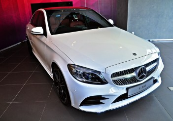 Mercedes-Benz C 300 - 01