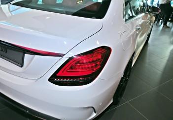 Mercedes-Benz C 300 - 10