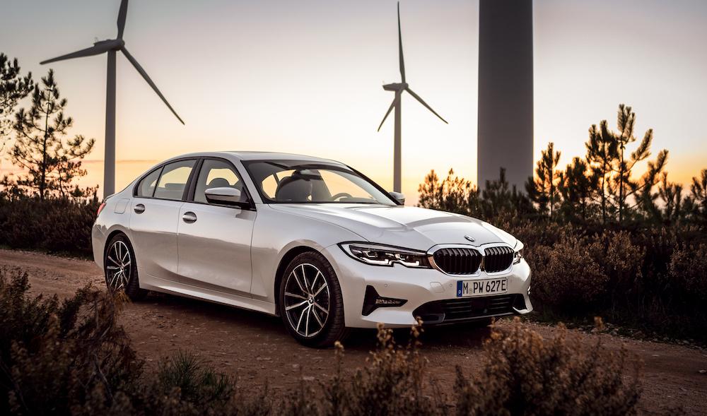 BMW G20 330e plug-in hybrid revealed | CarSifu