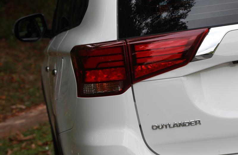2018 Mitsubishi Outlander 2-litre CKD (10)