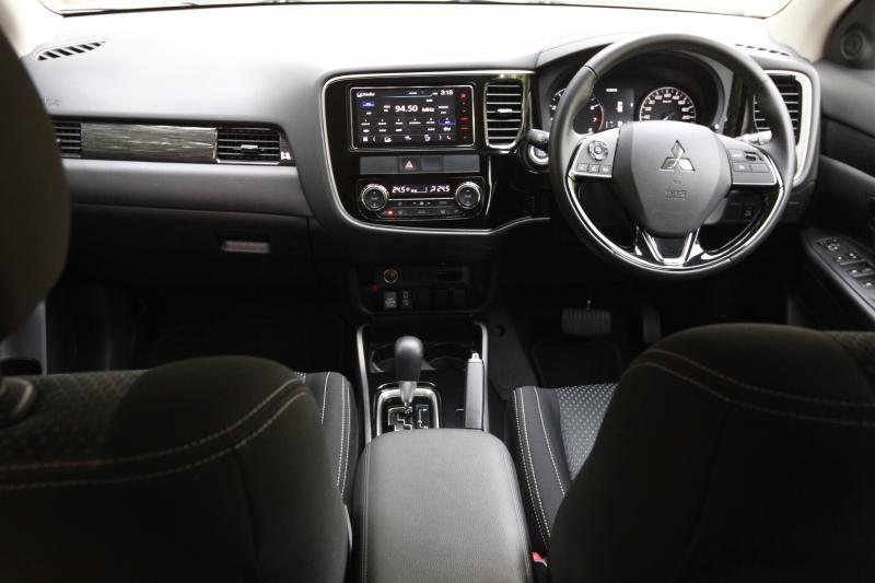 2018 Mitsubishi Outlander 2-litre CKD (14)