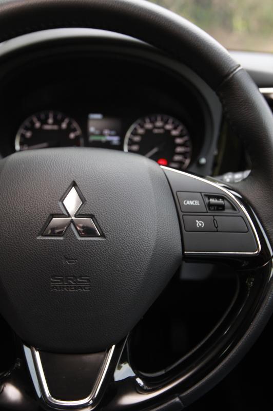 2018 Mitsubishi Outlander 2-litre CKD (19)