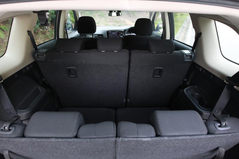 2018 Mitsubishi Outlander 2-litre CKD (22)