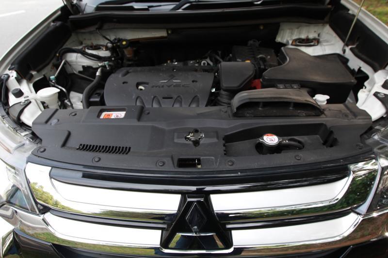 2018 Mitsubishi Outlander 2-litre CKD (25)