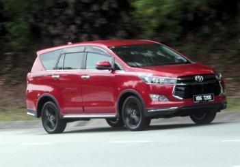 Toyota Innova 2-litre X (1)