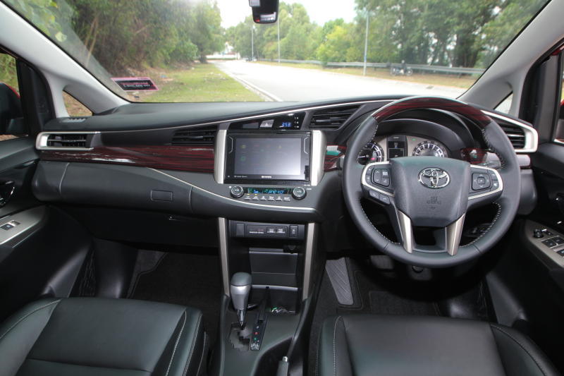 Toyota Innova 2-litre X (12)