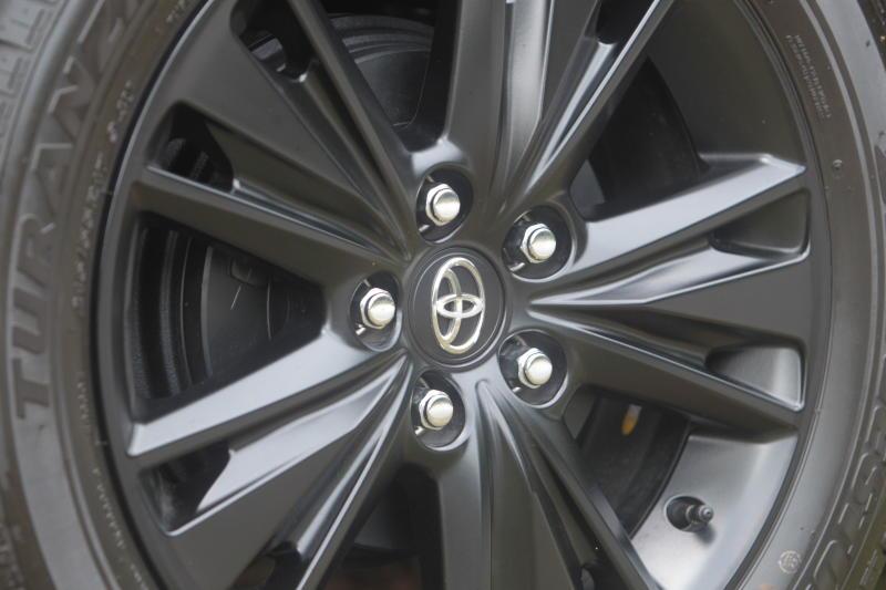 Toyota Innova 2-litre X (2)