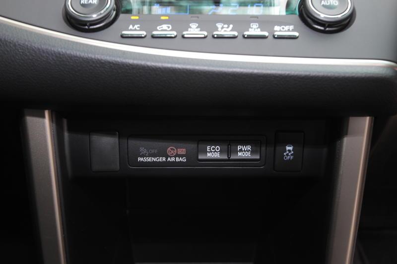 Toyota Innova 2-litre X (21)