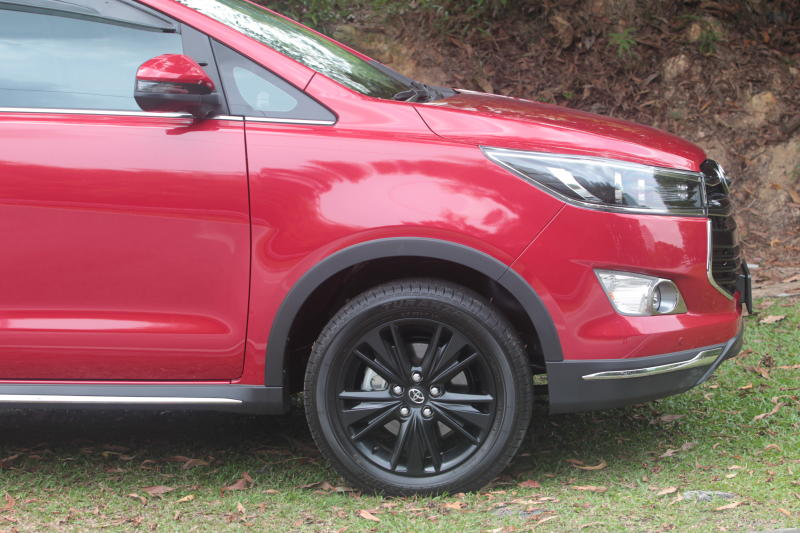 Toyota Innova 2-litre X (3)