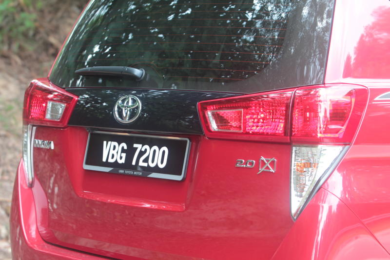 Toyota Innova 2-litre X (4)