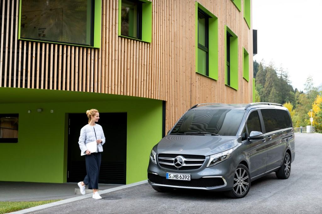 Die neue Mercedes-Benz V-Klasse – Exterieur, Ausstattungslinie EXCLUSIVE, selenitgrau metallic The new Mercedes-Benz V-Class – Exterior, Design and equipment line EXCLUSIVE, selenit grey metallic