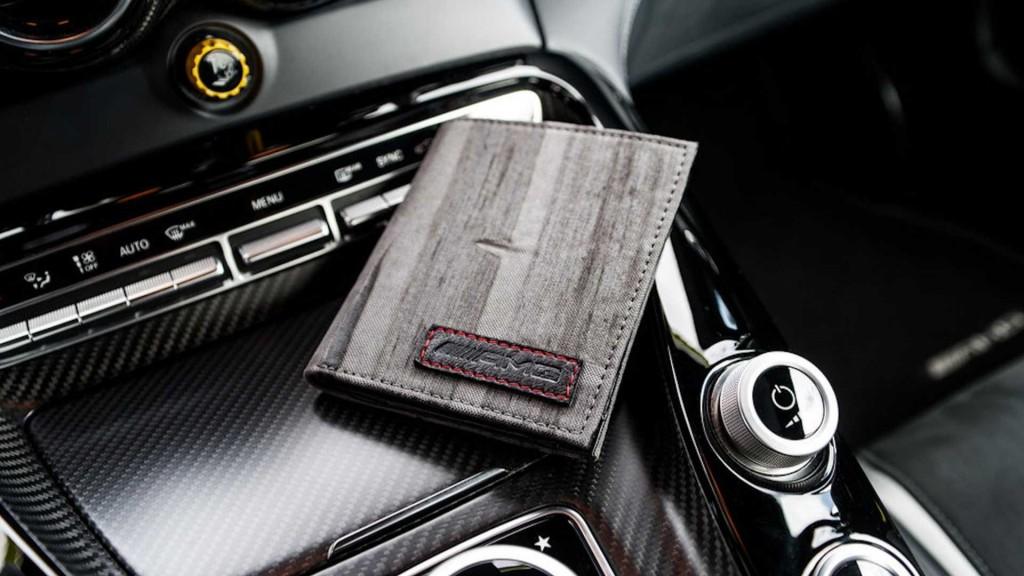 Mercedes-Amg Destroy vs Beauty BurnOut Collection - 10 Cash Men Wallet