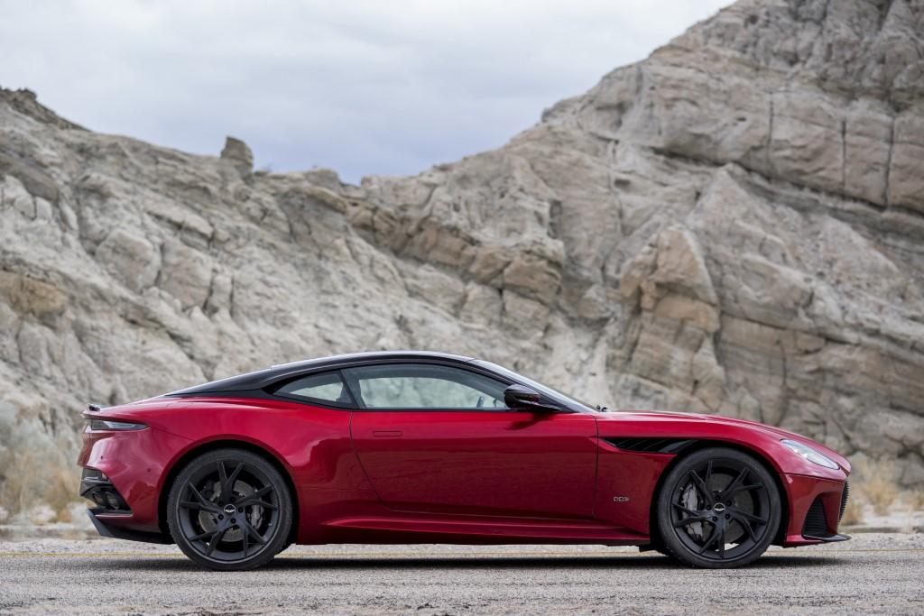 Aston Martin DBS Superleggera (7)