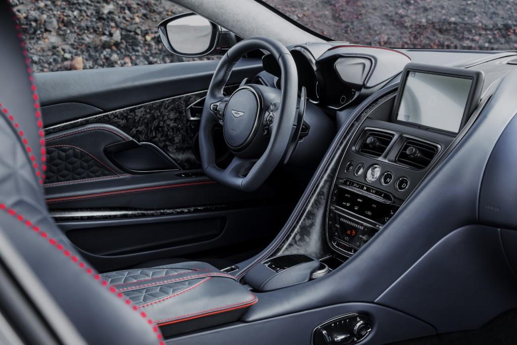 Aston Martin DBS Superleggera (9)