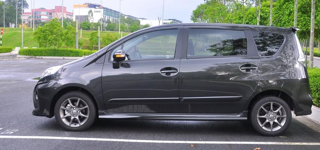 Perodua Alza Granite Grey - Des Contoh