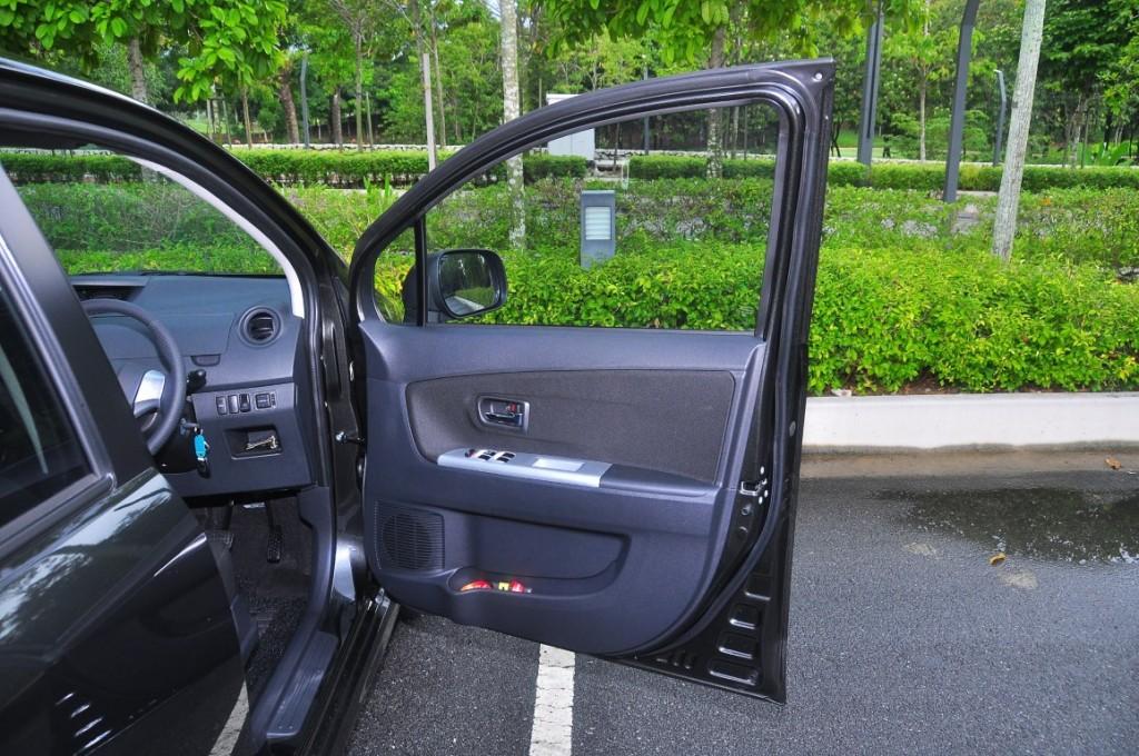 Perodua Alza SE 1.5 - 38 (Medium)
