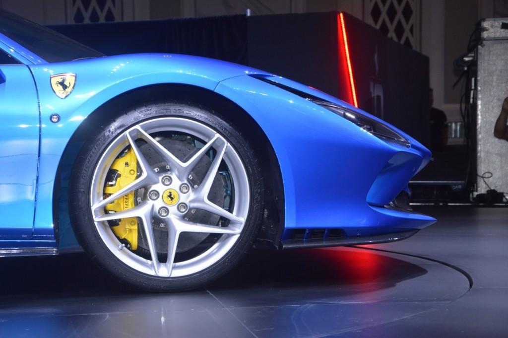 Ferrari F8 Tributo (7)