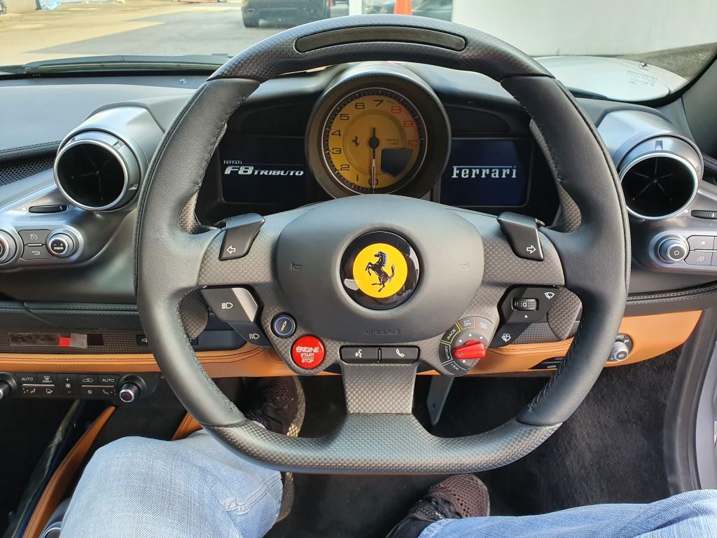 Ferrari_F8_Tributo_Cabin_2019 (12)