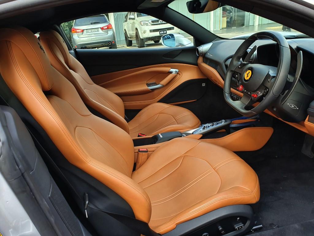 Ferrari_F8_Tributo_Cabin_2019 (2)