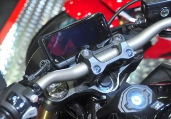 Honda CB650R - 10