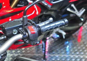 Honda CB650R - 12