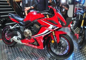 Honda CBR650R - 01