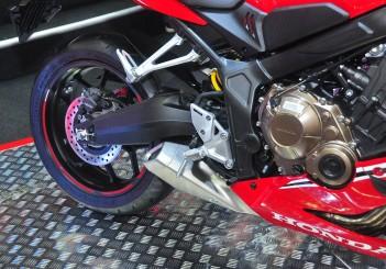 Honda CBR650R - 05