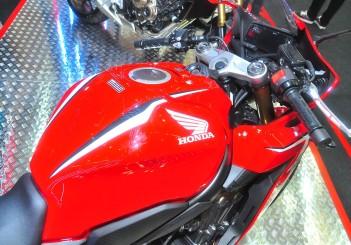 Honda CBR650R - 07