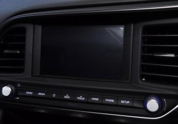 Hyundai Elantra 2.0 Executive - 43