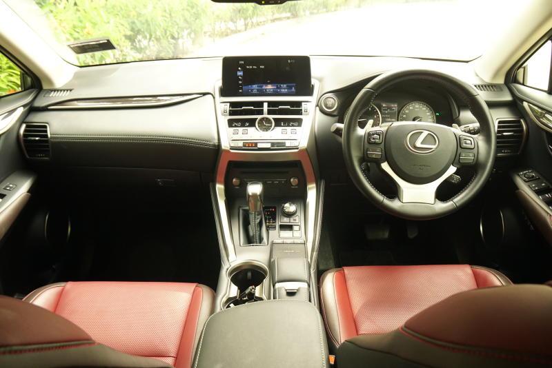 Lexus NX 300 Premium - 20