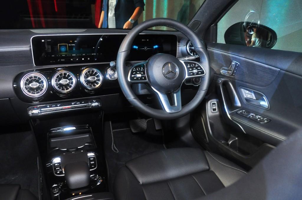 Mercedes-Benz A 200 Progressive Line - 41