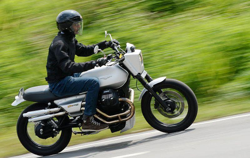 Carsifu Take A Ride On The Moto Guzzi V7 Iii Stone Carsifu