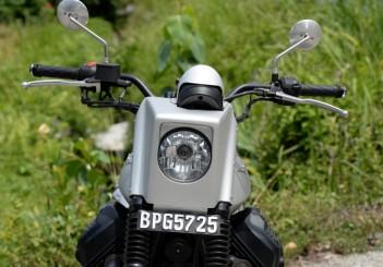 Moto Guzzi V7 Stone - 03