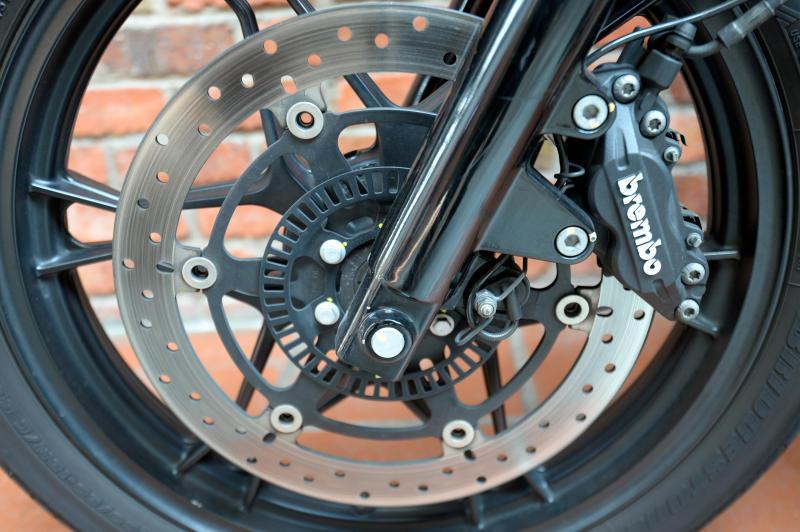 Moto Guzzi V7 Stone - 08