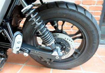 Moto Guzzi V7 Stone - 10