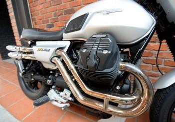 Moto Guzzi V7 Stone - 12